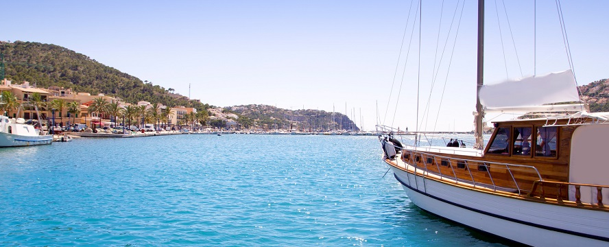 Hamburg - Mallorca offers countless leisure activities, with water sports playing a special role, due to the beauty of the Majorcan coast.