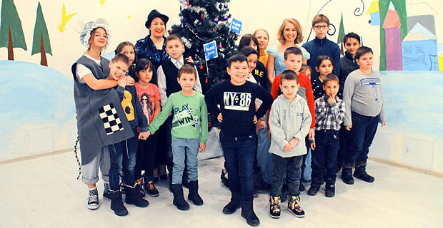 Команда «Радио Дача» поздравила воспитанников детских домов с Новым годом - Новости радио OnAir.ru