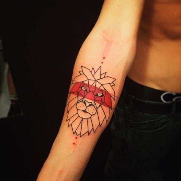 Tatouage Lion Motif Geometrique