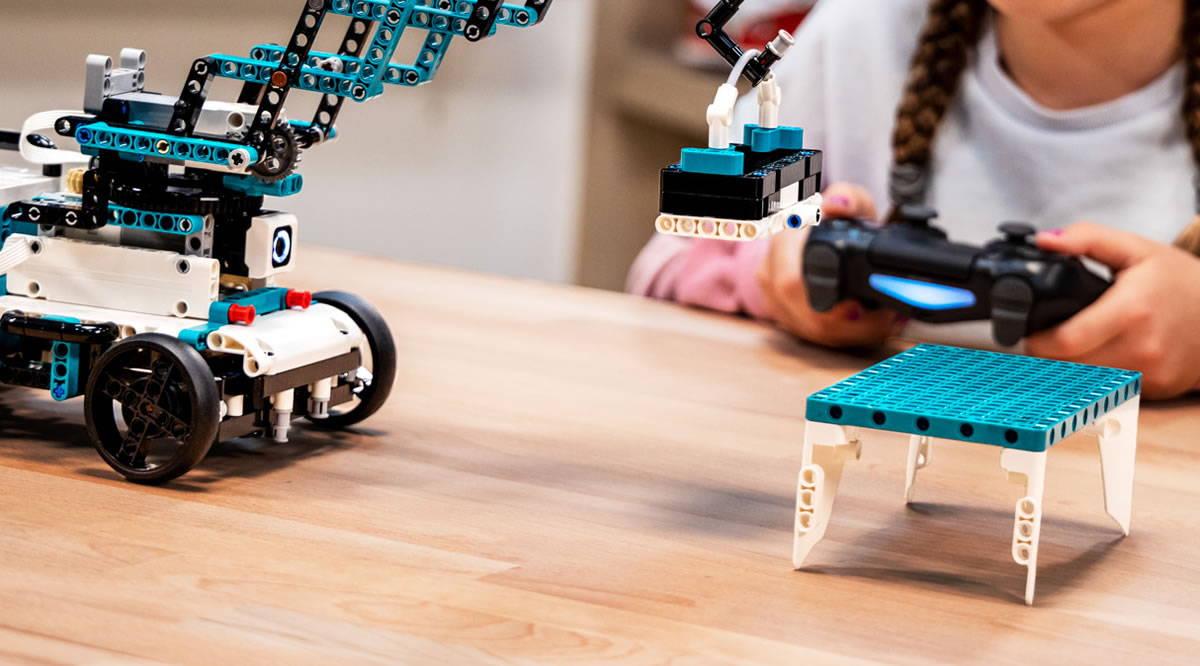 lego robot 51515