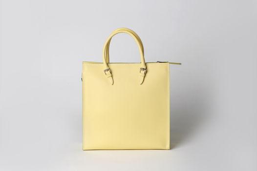 Большая сумка Tote Bag CAROLINE из натуральной кожи на молнии и подкладке. В наличии в Москве