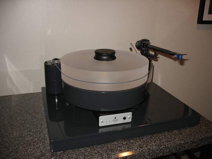 Pro-Ject RM-10 Turntable w/Free Speed Box