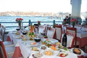 Dinner aboard with live music