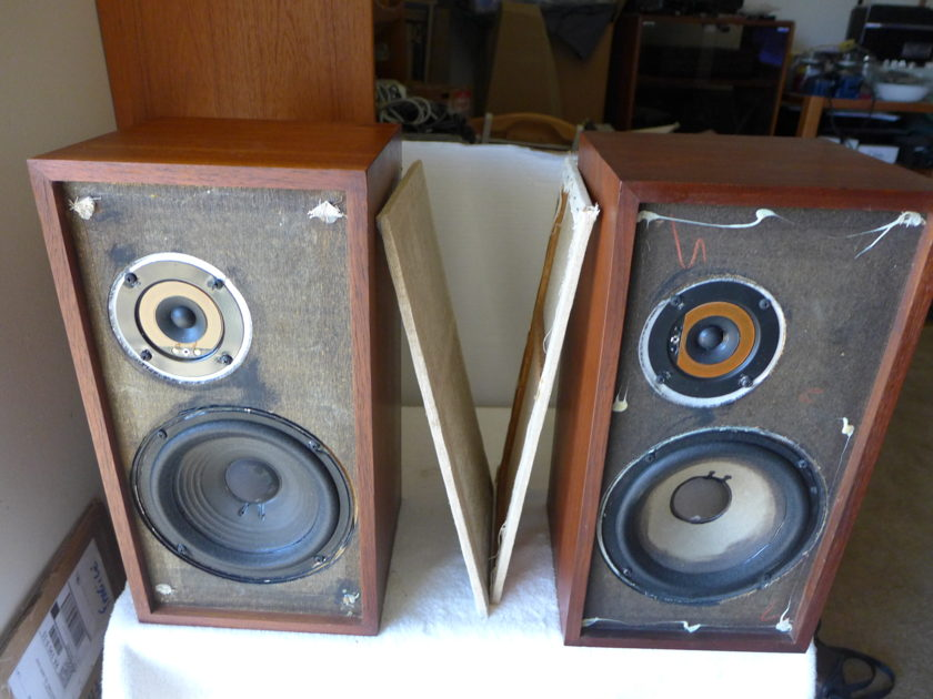 ACOUSTIC RESEARCH 4X SPEAKERS 2 WAY with new tweeters