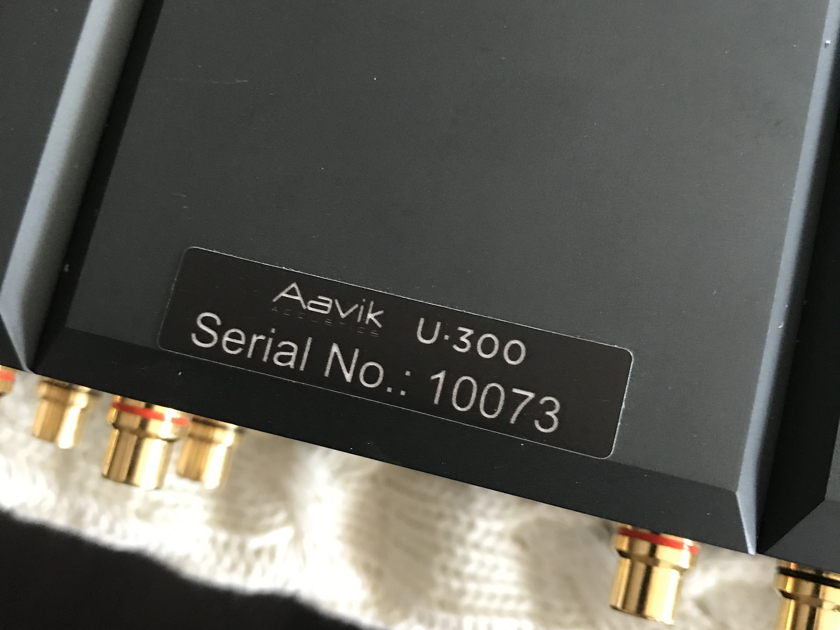 Aavik Acoustics U-300 Integrated amp w/ DAC & Phono. Free Shipping.