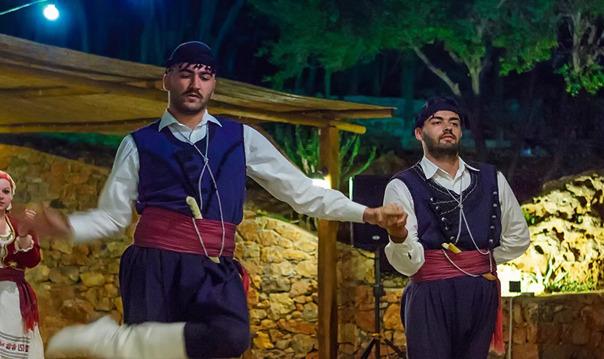 Национальный вечер на Крите (из Ираклиона и Лассити)