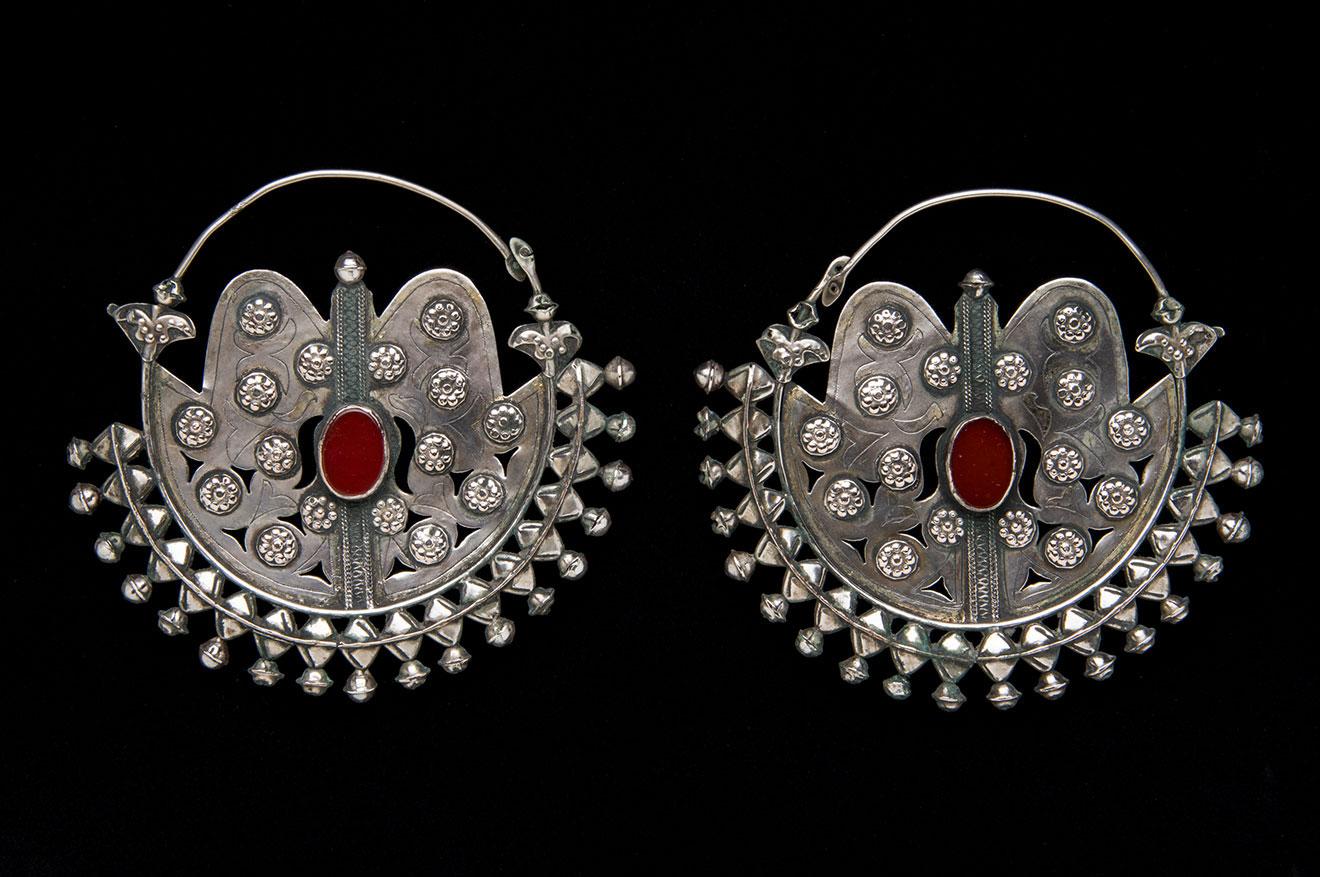 Earrings (Gulk Chalka)