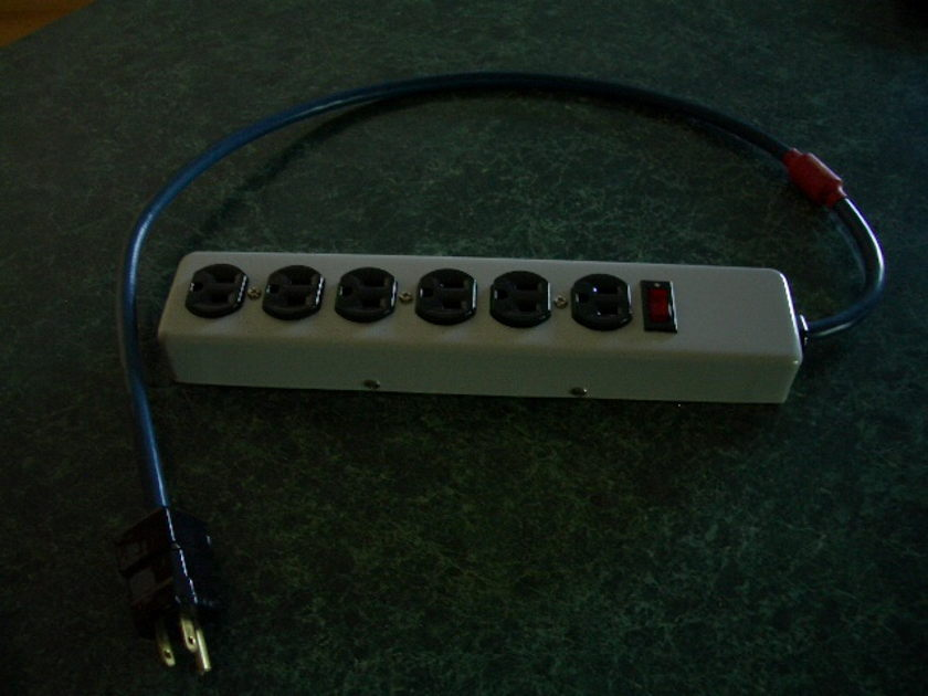 AudioQuest 6-outlet power strip