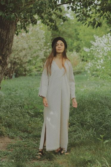 Льняное длинное платье макси в стиле босо в горошек