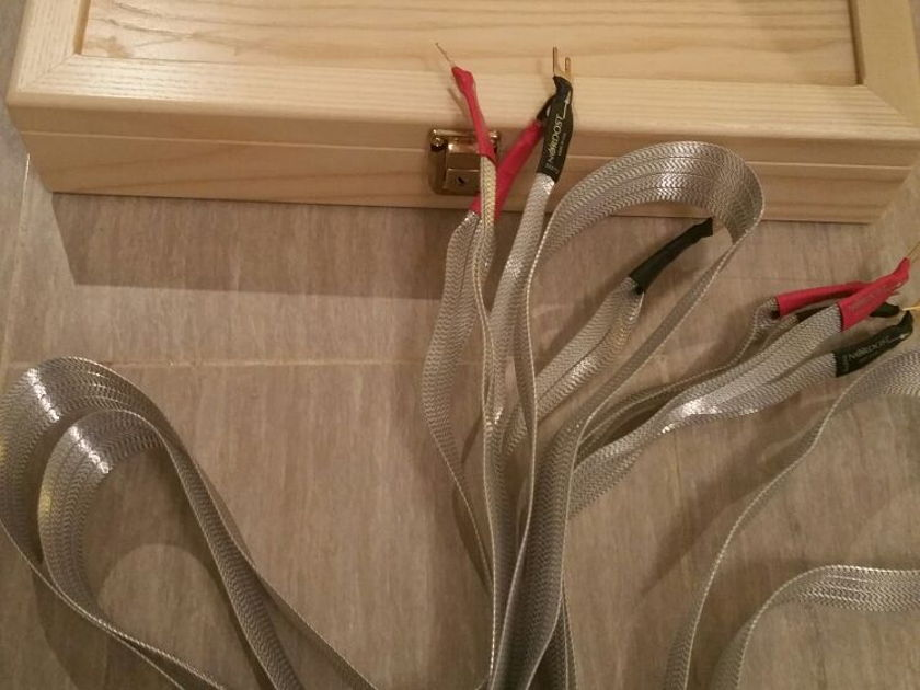 Nordost  Valhalla speaker cables  2 meter excellen condition
