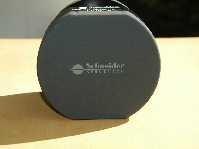 schneider 0.72 cine digitar wide angle converter