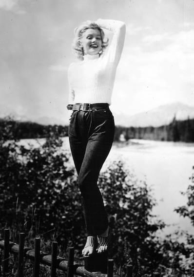 Marilyn Monroe i jeans og rullekravesweater