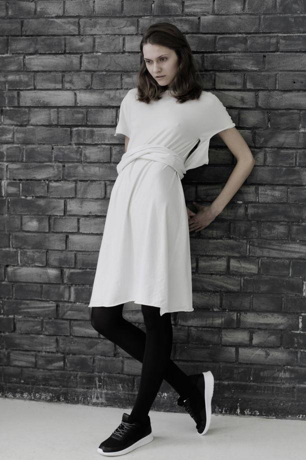 Белое трикотажное платье-трансформер
