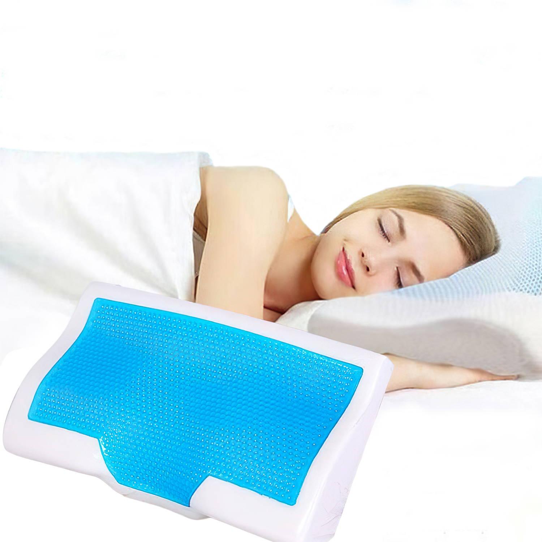 Femme dormant avec un oreiller rafraichissant