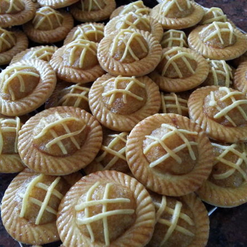 "Just love this ""open pineapple tart"" or famously called ""Nyonya pineapple tarts"" in Melaka, Malaysia."