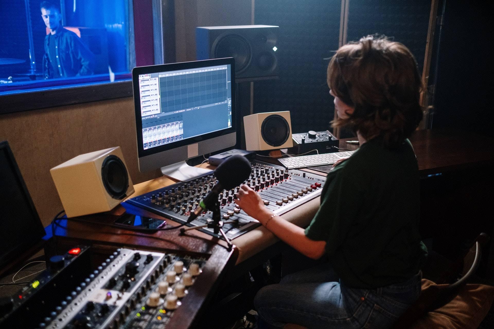 best loop kit 2021, how to make trap beats, making trap beats