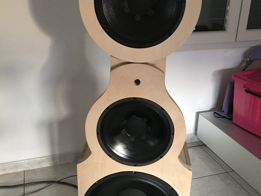 Bastanis Speakers Chrystal Wideband