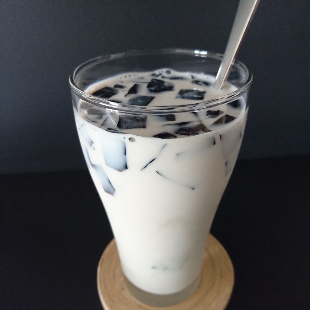 Date: 10 Nov 2019 (Sun) 17th Drink: Michael Jack Grass Jelly Drink [94] [107.2%] [Score: 10.0]