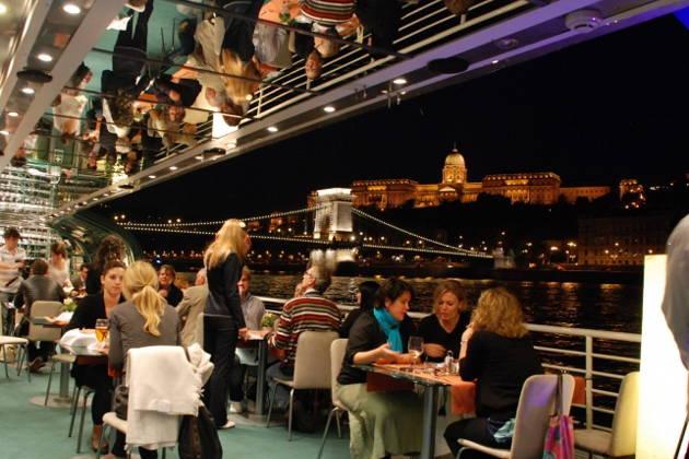 Ужин-круиз по каналам Амстердама