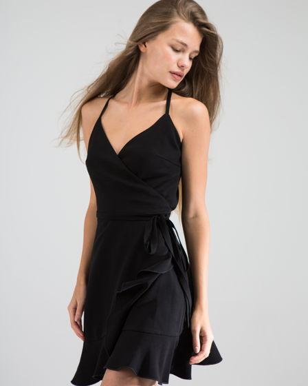 Черное платье на лямочках