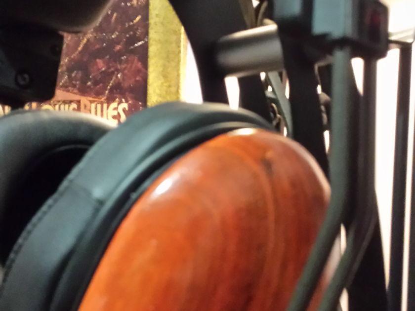 ZMF Vibro MKII Rusted Zebra  planar headphones(Like New)
