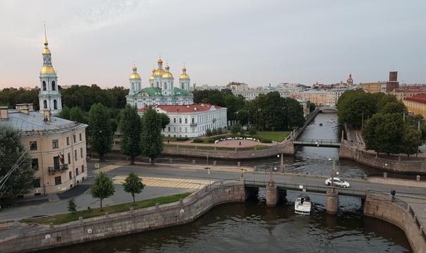 Весь мир Петербурга за один день