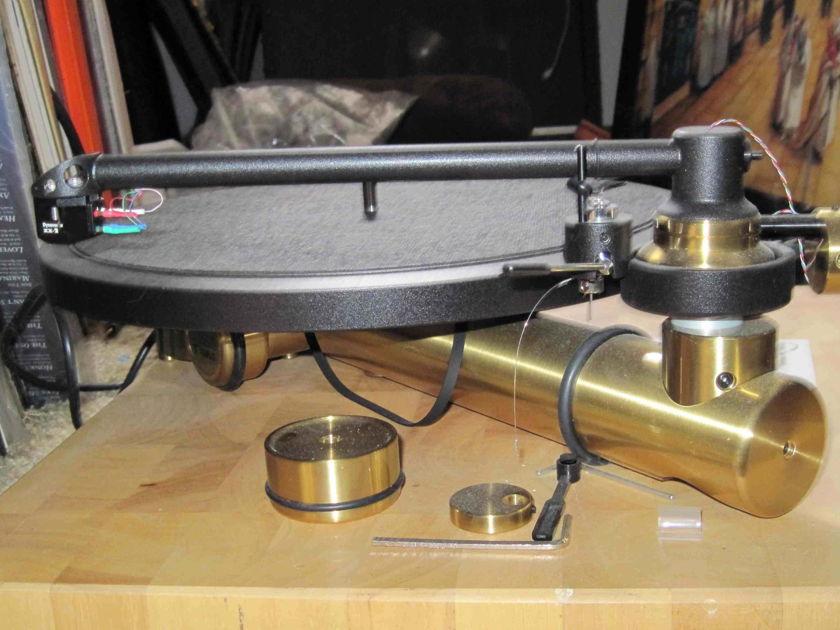 New Kuzma  Stabi/Stogi Turntable and arm
