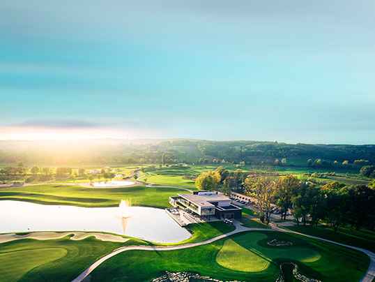 Hamburg - The Zala Springs Golf Resort offers an inviting investment prospect with luxury apartments and an exclusive golf course near Lake Balaton in Hungary.