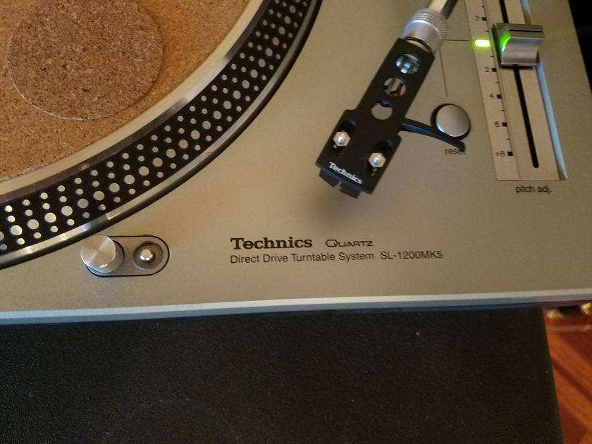 Technics SL-1200 mk5 Technics SL-1200MK5