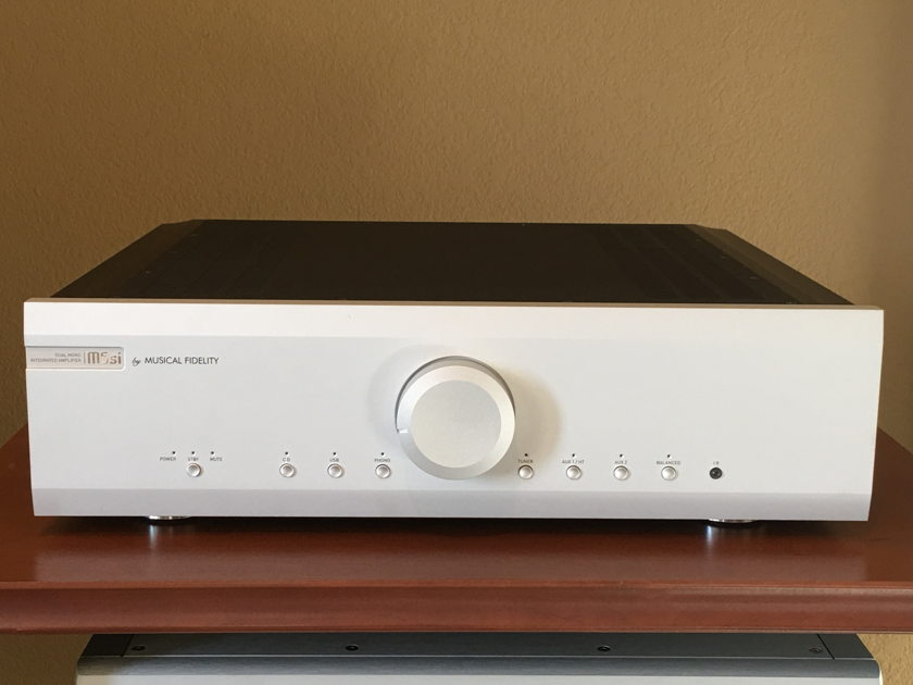 Musical Fidelity M6 500i M6si Mint Cond. One Owner