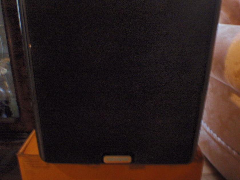 Velodyne DD-10 Gloss black subwoofer