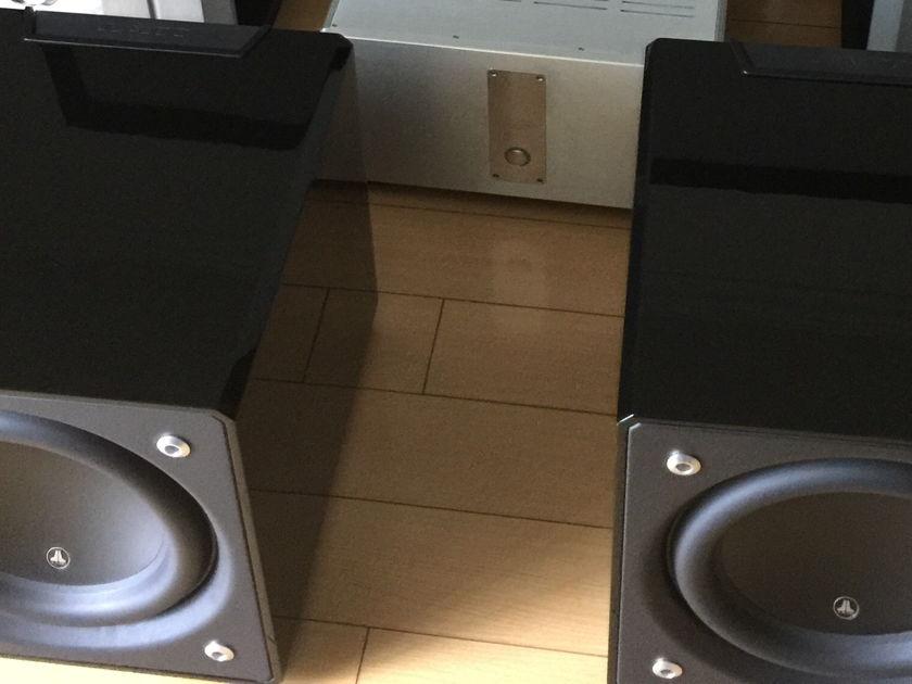 JL Audio  E-112 in BLACK GLOSS