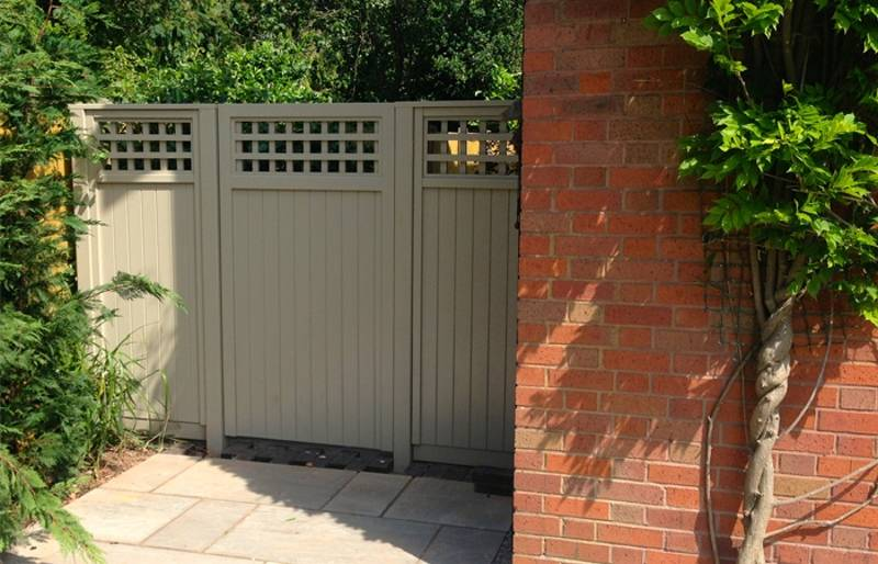 Painted Regal Deluxe Fence