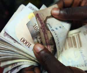 Commercial banks Reduce Borrowing