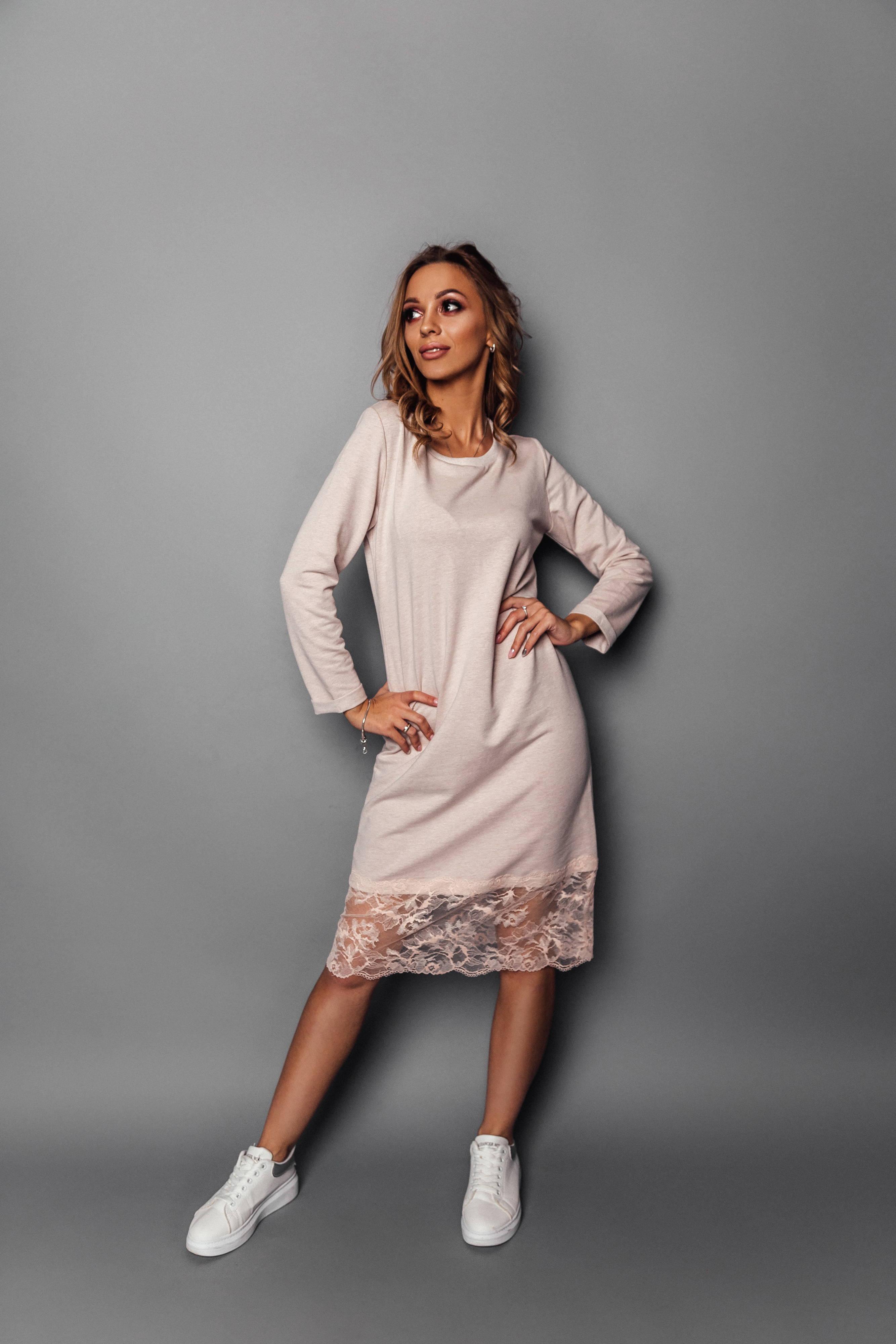 07553d3e48f Платье трикотажное с кружевом в магазине «