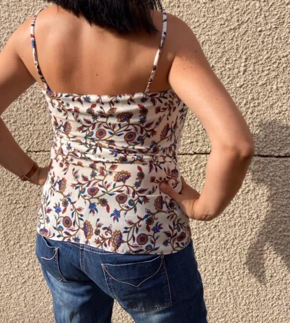 photo qui montre la robe aname portée par nathalie du compte instagram pic_et_picetcolegram