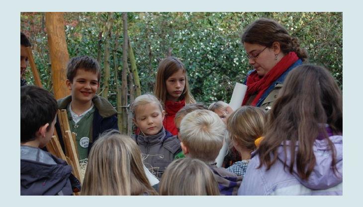 zoo krefeld affenbeschaeftigung