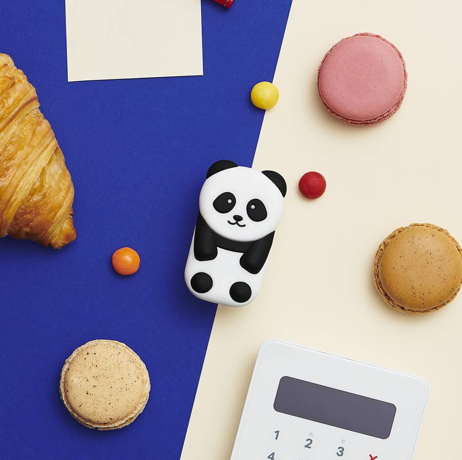 packshot Walkie panda avec courses macaron dragées bonbon et sum up