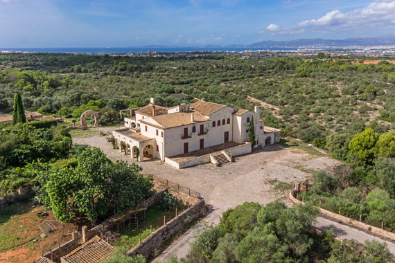 Llucmajor, Mallorca - Unique country estate with sea views in Llucmajor