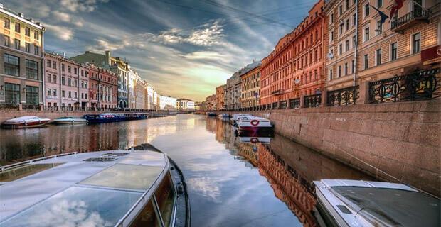 Эльдорадио приглашает на прогулку по рекам и каналам Санкт-Петербурга - Новости радио OnAir.ru