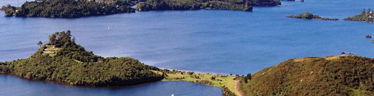 22. Круиз, рыбалка по озеру Ротоити к горячим источникам Манупируа. Роторуа.