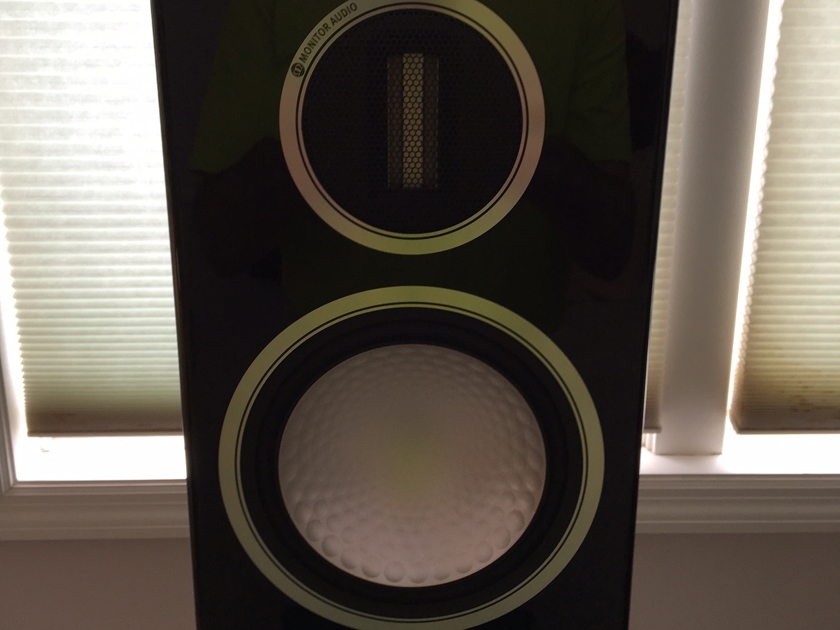 Monitor Audio Gold 100 piano black lacquer