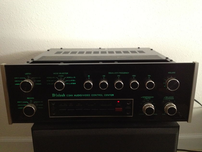 Mcintosh  C34 Audio/Video control center