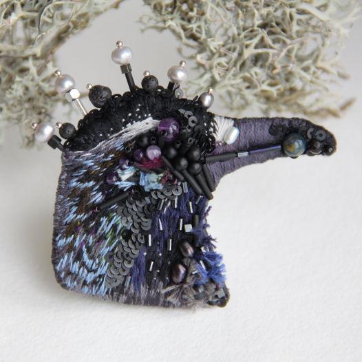 Брошь стилизованный Ворон с вышивкой гладью и натуральными камнями.