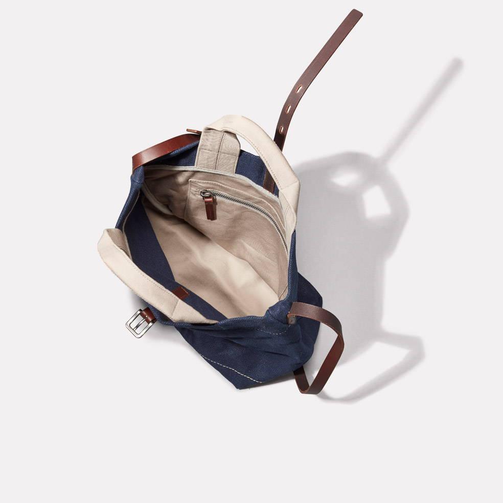 Bob Hemp Bucket Bag in Dark Navy