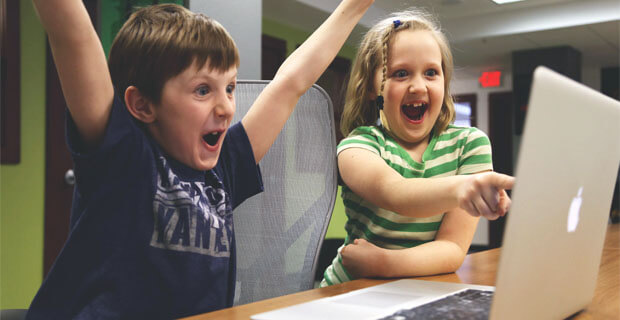 На «Эхо Петербурга» запустили просветительскую программу для школьников на карантине - Новости радио OnAir.ru