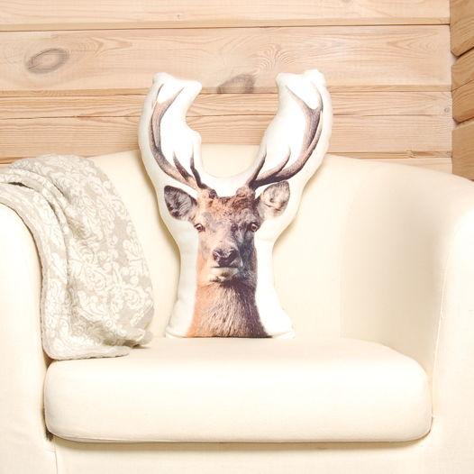 Подушка  Олень – льняная декоративная подушка в виде головы оленя