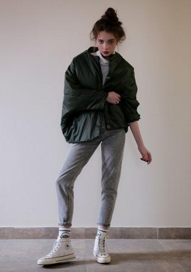 Темно зелена утепленная куртка-кит