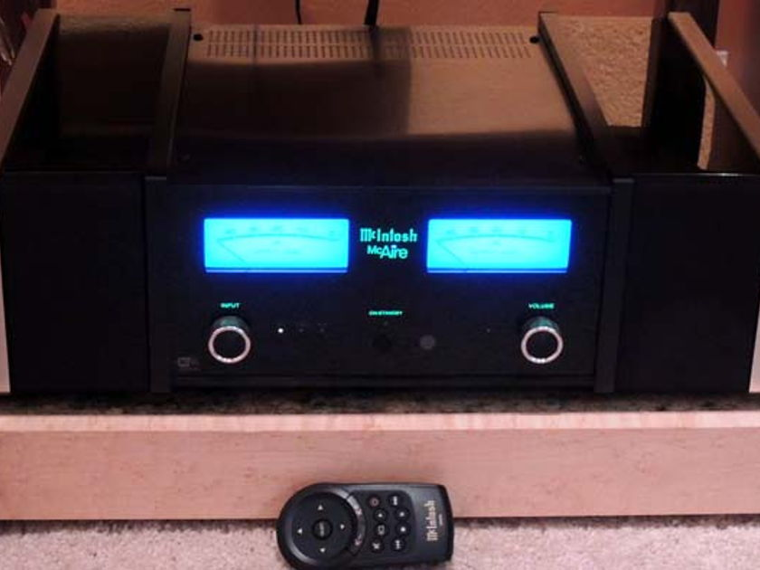 McIntosh McAire Integrated  Music System, Customer Trade, Warranty. FREE SHIP in C.U.S.!