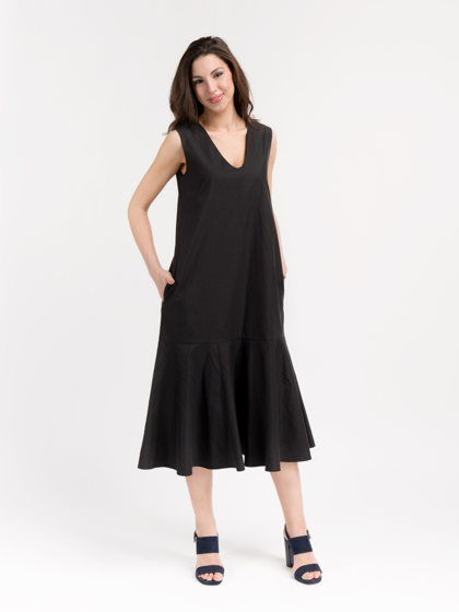 Платье удлиненное с воланом черного цвета